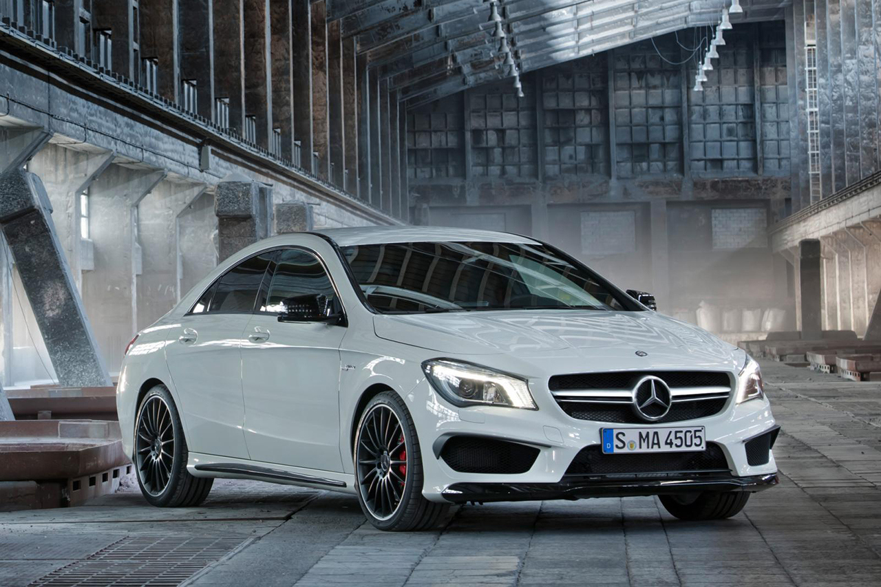 2014 Mercedes-Benz CLA 45 AMG Front Side View